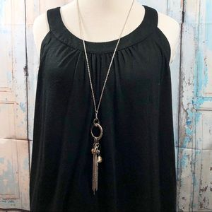 ⭐️ NWT Paparazzi Necklace And Earrings Set